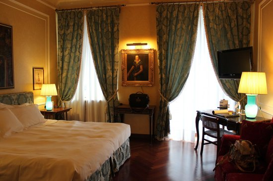 Grand Hotel Duchi D'Aosta: Our suite