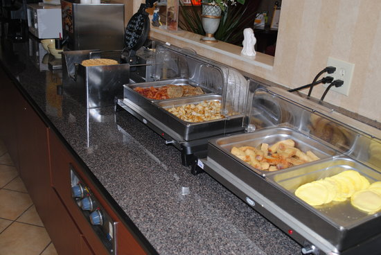 Quality Inn: Breakfast Bar