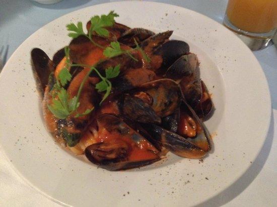 Al Vicolo: Spaghetti with mussels