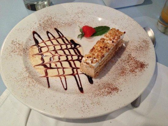 Al Vicolo: Hazelnut cake