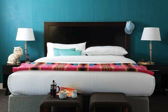 Phoenix Hotel SF: King Suite