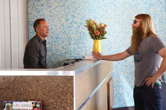 Phoenix Hotel SF: Front Desk