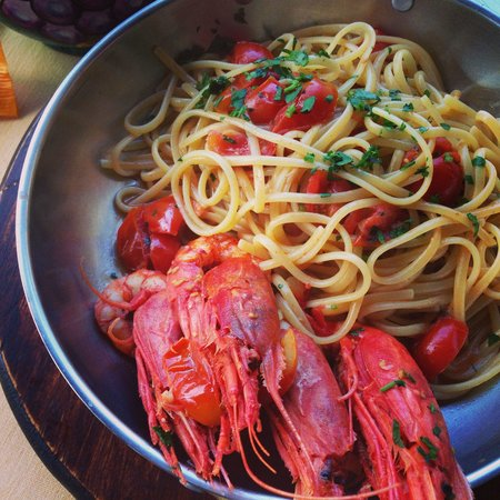 Lo Zodiaco: Pasta was overcooked and slimy, but nice colors and flavors.