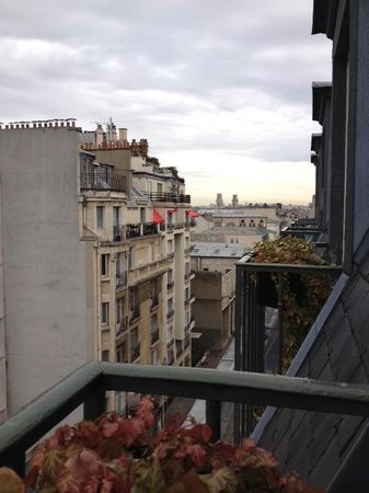 Hôtel Louison : View from Aviatic Room
