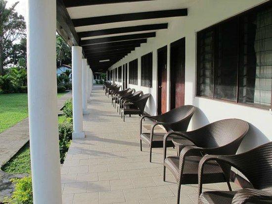 Club Oceanus: Shared verandah outside rooms