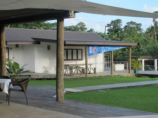 Club Oceanus: Looking from restaurant to dive shop