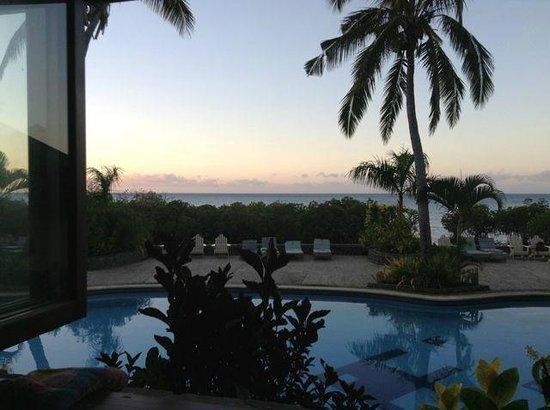 Volivoli Beach Resort Fiji: View at sunset