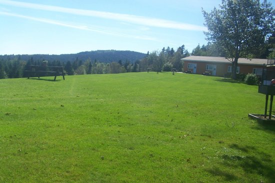 Fundy Highlands Motel & Chalets : community area