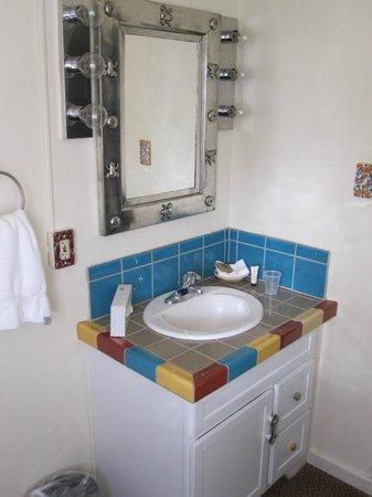 El Pueblo Lodge: Sink