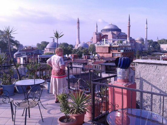 Cosmopolitan Park Hotel: Cosmopolitan roof terrace