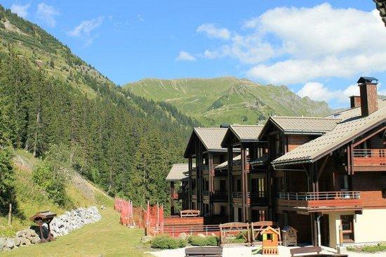 Apartamentos Pierre & Vacances Premium Les Terrasses d'Eos: la résidence avec vue sur les montagnes