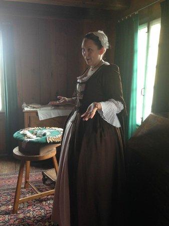 Le site historique national de la Forteresse de Louisbourg : hear what it was like to live as a lady in historic Louisbourg