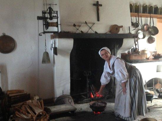 Le site historique national de la Forteresse de Louisbourg : see  what it was like to cook in historic Louisbourg