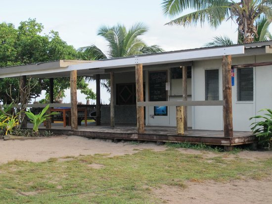 Blue Lagoon Beach Resort: Dive shop with wash tanks and on-site storage