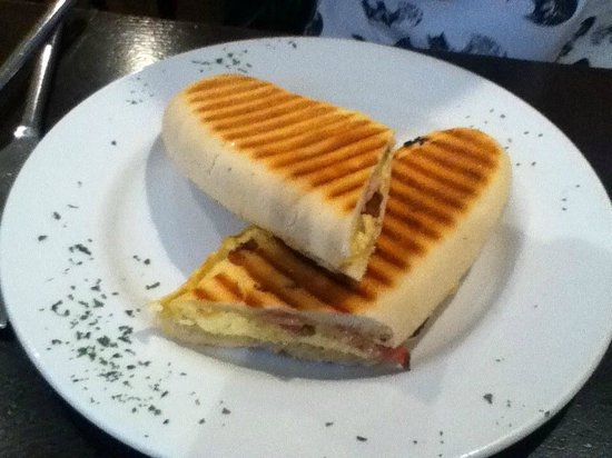 Toff's Bar and Brasserie: Bacon and scrambled egg panini...apparently 'the best breakfast ever' according to my daughter!