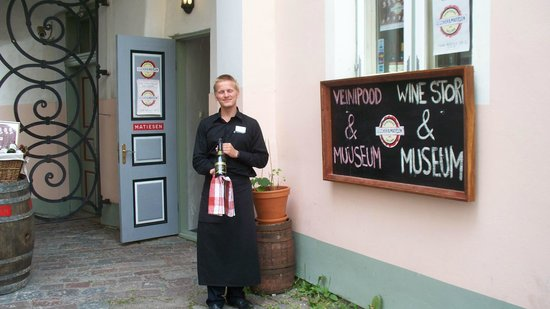 Food Sightseeing Estonia Day Tours: Greeted outside the Luscher and Mtiesen Winery