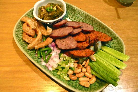Soul Food Mahanakorn : isaan & chiangmai sausages