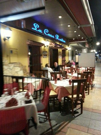 La Casa Rustica : Looking from the outside...