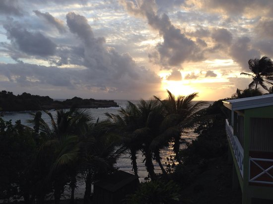 Cabier Ocean Lodge: Sunset...!