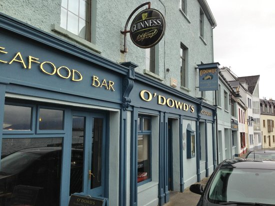 O'Dowds of Roundstone: Along the waterfront