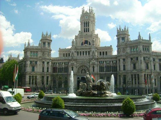 Plaza cibeles edificio de correos fotograf a de palacio for Edificio de correos madrid