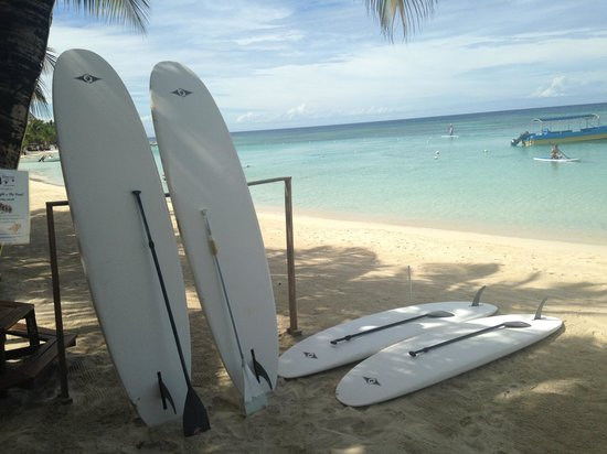 Bananarama Beach and Dive Resort: Be sure to paddleboard with avitar he is the best instructor!