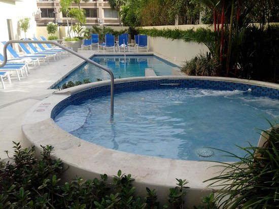 BEST WESTERN PLUS Condado Palm Inn & Suites : Pool