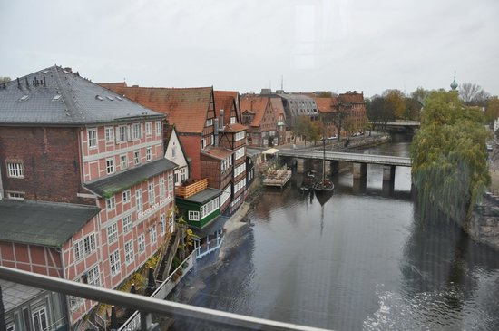 Hotel Bergstrom: Blick auf die Ilmenau vom 4. Stock des Gästehauses Abtsmühle