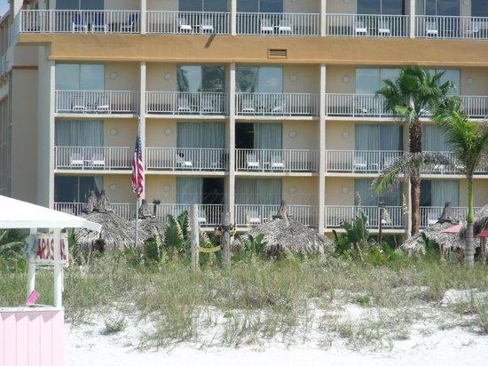 Howard Johnson Resort Hotel - St. Pete Beach : The beach view accomodations.