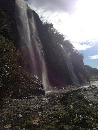 Franz Josef Glacier : waterfall
