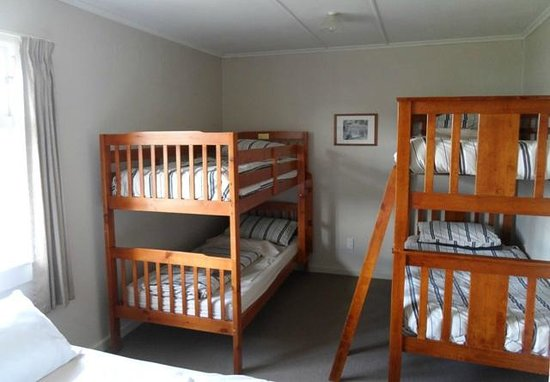 Lake Maraetai Lodge: Dorm Room