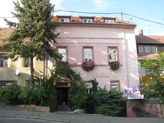 Hotel Romantik: Front view