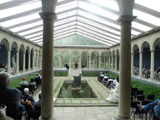 Museo Municipal de Bellas Artes Juan Manuel Blanes: área central interna