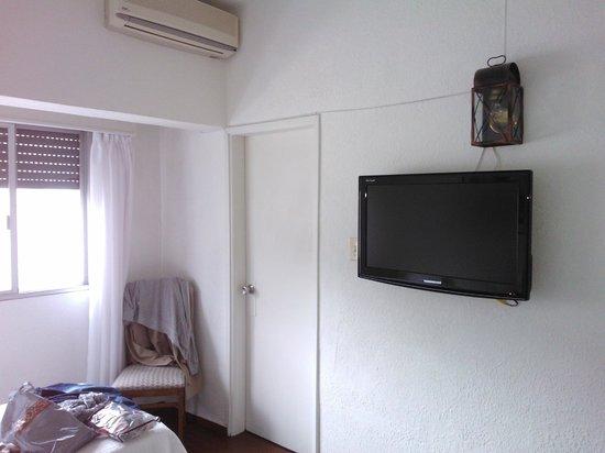 Hotel Bravamar: buena tv