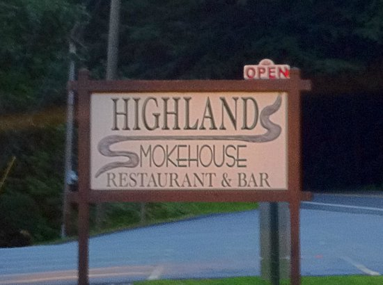 Highlands Smokehouse: Never pass this without stopping in!