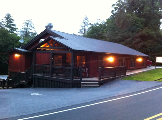 Highlands Smokehouse : Outside