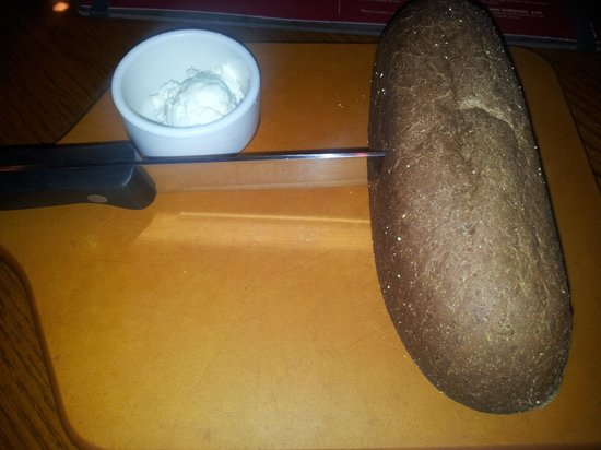 Outback Steakhouse: Fresh warm bread.
