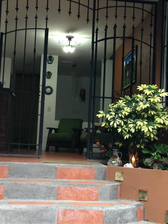 Melrost Bed and Breakfast: Entrada