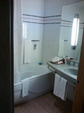 Novotel Sevilla: Banheiro muito bom