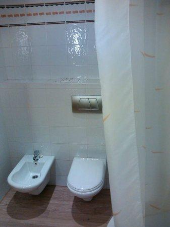 Novotel Sevilla: Banheiro
