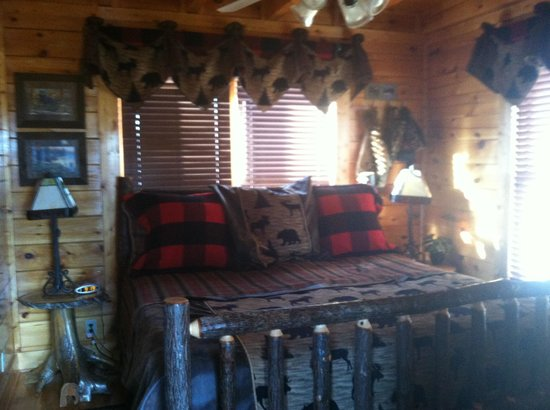 Timberwinds Log Cabins: Moore Smyrna, Tn