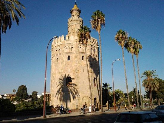 Novotel Sevilla Marqués del Nervion: Torre del Oro