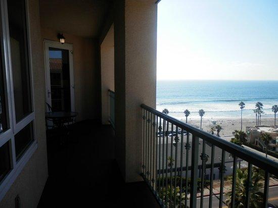 Wyndham Oceanside Pier Resort: Deck between living room and bedroom