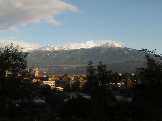 Pension Paula : View of Innsbruck from our balcony
