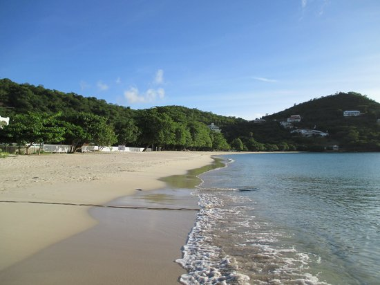 Gem Holiday Beach Resort: Morne Rouge Beach during the week