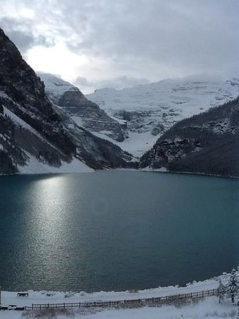 Fairmont Chateau Lake Louise : Our room view