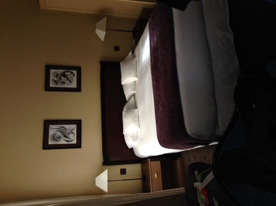 Tiffany Hotel: cuarto