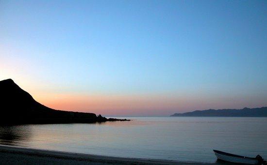 Baja AirVentures Las Animas Wilderness Lodge: Beautiful Sunrises Everyday!
