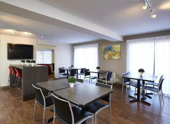 Comfort Inn: New Breakfast Room