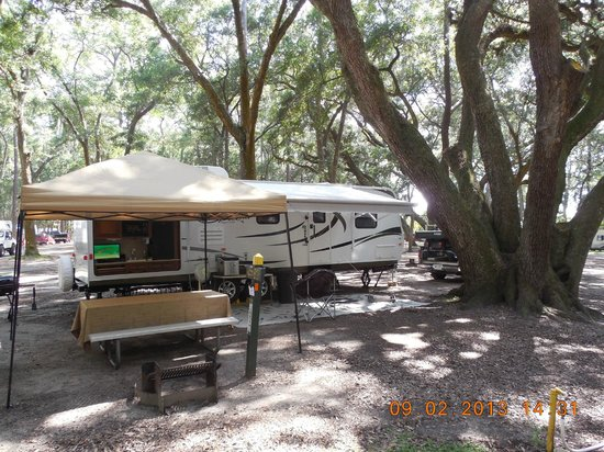Jekyll Island Campground: Our campsite # B-3